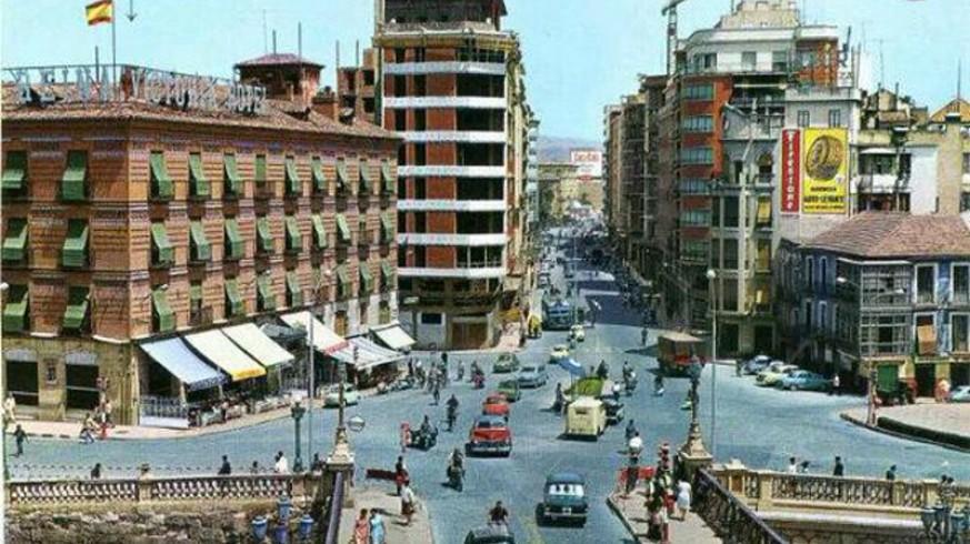 LA RADIO DEL SIGLO. La historia y sus delirios. Murcia en los años 60