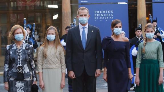 Llegada al acto en el Hotel Reconquista de Oviedo