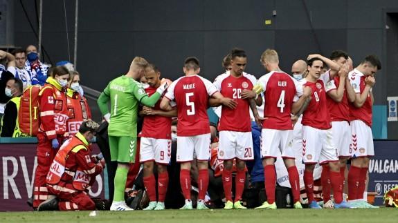 Selección danesa tras el desvanecimiento de Eriksen