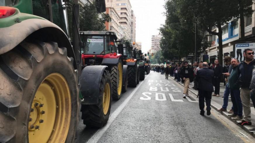 Los agricultores retomarán las movilizaciones si no reciben un precio justo por sus productos tras la desescalada