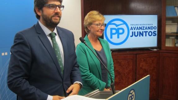 López Miras y Maruja Pelegrín en rueda de prensa