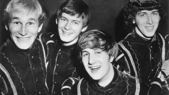 MÚSICA DE CONTRABANDO. Mike Mitchell era conocido por ser uno de los miembros fundadores de The Kingsmen. Hoy anunciamos su triste pérdida