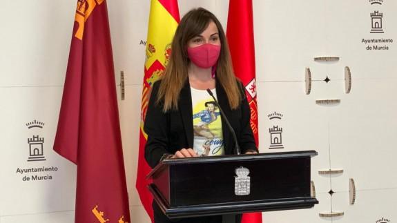 La portavoz municipal, Rebeca Pérez, en la rueda de prensa tras la reunión de la Junta de Gobierno. AYTO. MURCIA