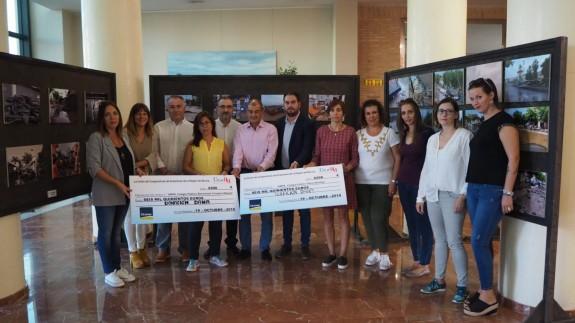 Donación de dinero hoy a las Ampas de Los Alcázares. UCOERM.