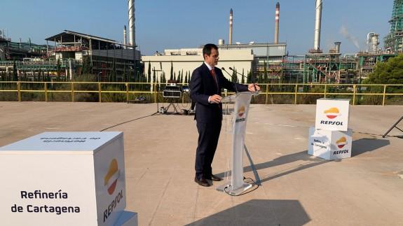 Antonio Mestre ofrece los detalles de la parada en la refinería