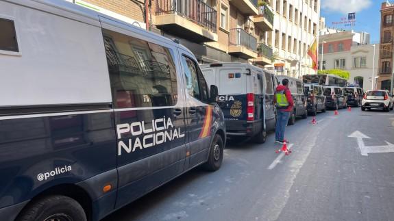 Despliegue policial junto a la Comandancia de la Policía Nacional en Murcia