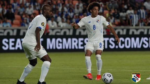 Carrasquilla, en un partido con su selección. Foto: Federación Panameña de Fútbol