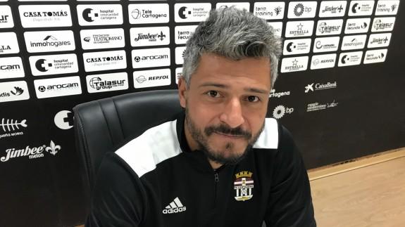 """Gustavo Munúa: """"El Cartagena tiene que volver a sacar su personalidad"""""""