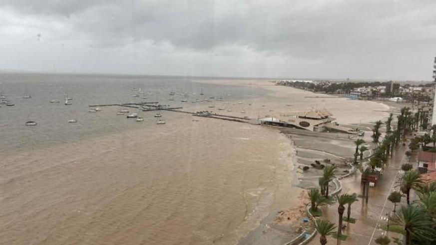 Una tromba de más de 100 l/m2 provoca inundaciones en San Javier