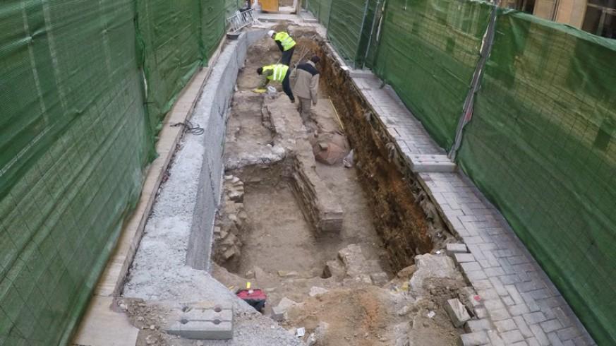 Restos arqueológicos en la calle Madre de Dios de Murcia