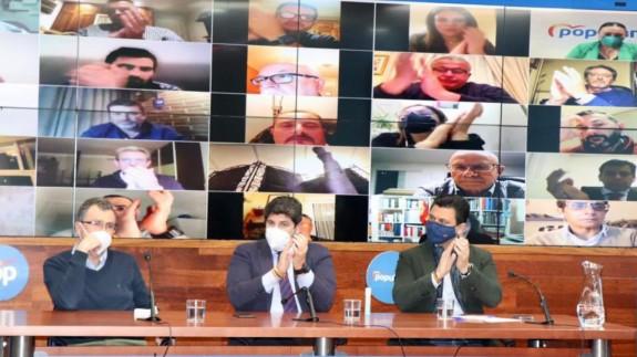 López Miras junto a Ballesta y Luengo este jueves en la junta directiva del PP regional
