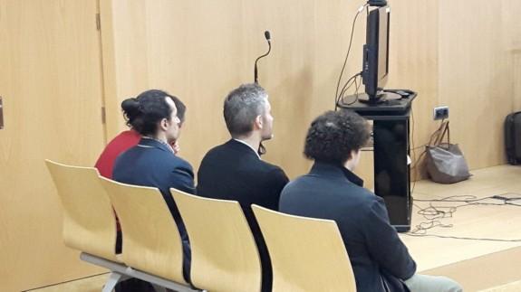 Los cuatro acusados en el juicio de 'seriesyonkis'