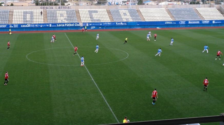 El Lorca consigue su primera victoria de la temporada al vencer 3-1 al Huércal-Overa