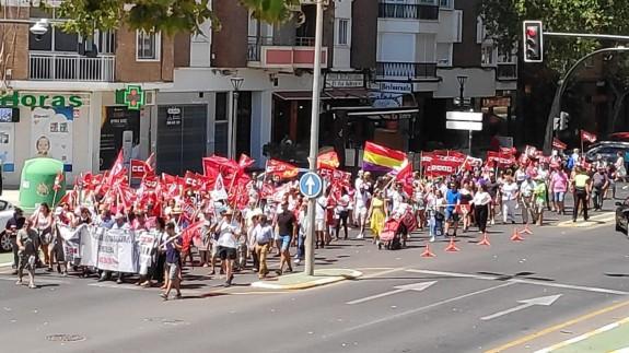 Marcha de los sindicatos el pasado viernes hacia la Asamblea Regional