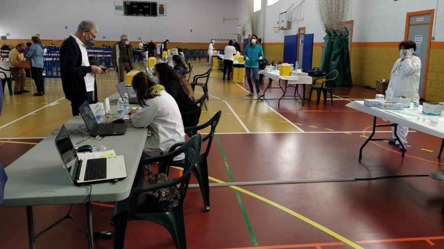 Más de 3.000 personas citadas a vacunarse contra la covid este lunes en Molina de Segura