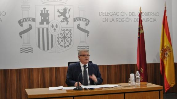 El delegado del Gobierno, José Vélez, durante la presentación de los datos. DELEGACIÓN GOBIERNO