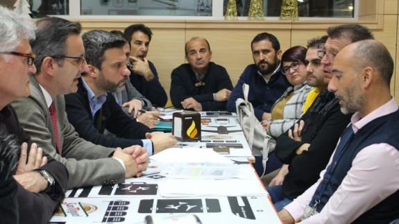 Reunión entre miembros del PSOE y de la plataforma en defensa de San Javier