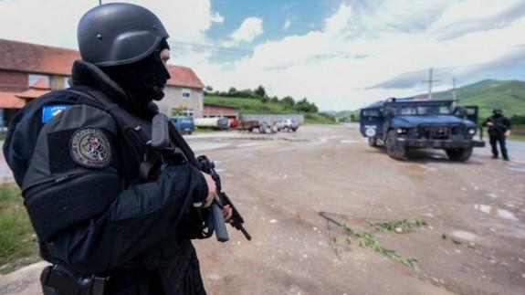 LA RADIO DEL SIGLO. El lanzadestellos. 'Kosovo' y 'mafia kosovar'