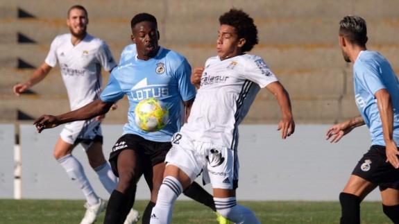 Adalberto Carrasquilla en un lance del partido