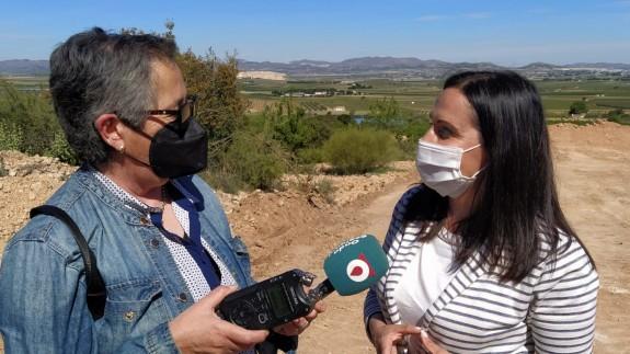 Carmen Ortín entrevista a la alcaldesa de Yecla, Remedios Lajara. ORM