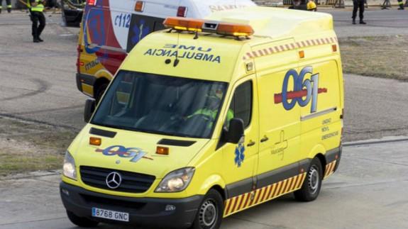 Ambulancia del Servicio Murciano de Salud (archivo). 061