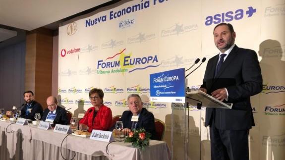 Ábalos durante su intervención en el Fórum Europa
