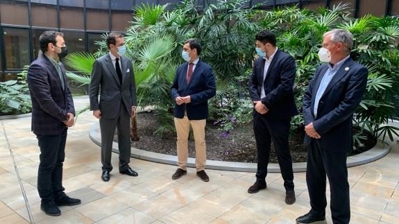 Díez de Revenga tras su reunión con representantes de la Unión Española de Fotovoltaicas