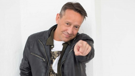 AFECTOS ESPECIALES. Entrevista de actualidad. Ángel Beato, cantante de VICEVERSA
