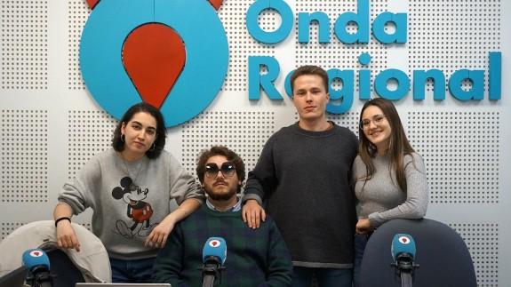 Paula López, Kiko Torres, Mateo González Álvarez y Rosana Hidalgo, del Club de Debate UM