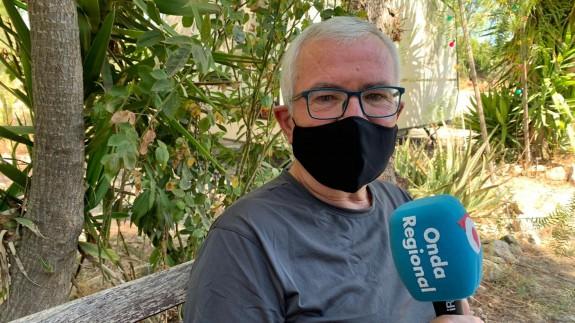 Ángel Almela atiende a Onda Regional en Cieza