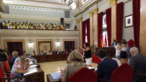 Pleno en el ayuntamiento de Murcia con la presencia de los vecinos de Algezares
