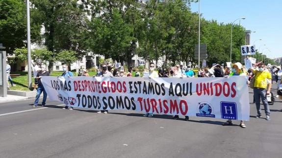 Manifestación en Madrid de los agentes de viajes para exigir medidas de apoyo al sector