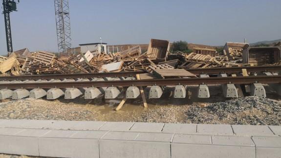 Daños en las vías del AVE a su paso por la pedanía de Alquerías.