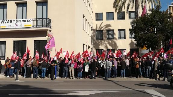 Protesta frente a la Delegación del Gobierno