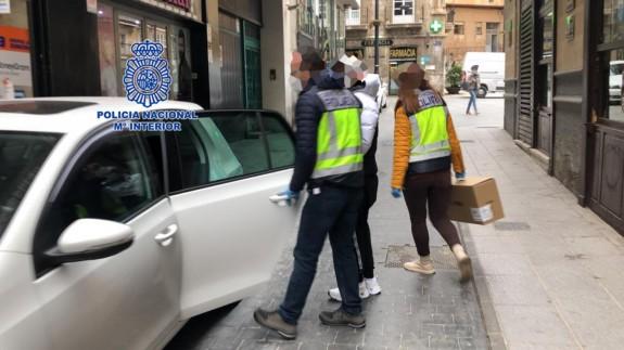 La Policía Nacional desarticula en Cartagena un grupo organizado especializado en estafas en la red