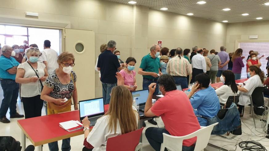 Vacunación, hoy, en el Estadio Enrique Roca de Murcia. ORM