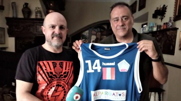 José Luis Ramón Vilaplana y Enrique Fernández, del Club 'Siyasa Basket'