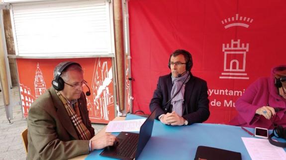José Ballesta, alcalde de Murcia, con Miguel Massotti en Santo Domingo
