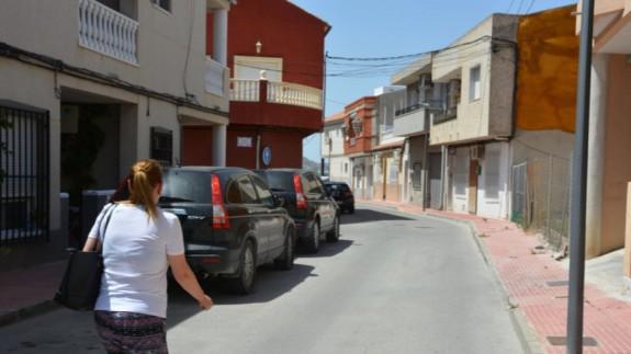 Calle en la que se encuentra la vivienda del detenido en Lorquí