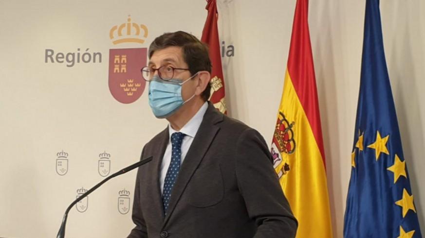 Cerca de 300 profesionales sanitarios firman una carta de apoyo a Villegas
