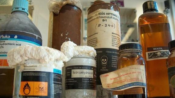 Envases con productos químicos