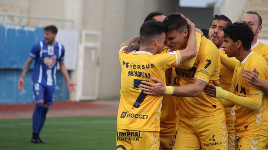 Doblete de Jordi Sánchez para que el UCAM respire frente al Lorca Deportiva (1-2)