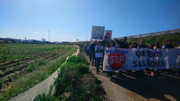 La manifestación ha discurrido paralela a la AP7 pero sin invadir la autovía